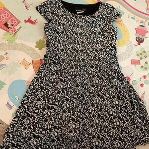 Girls black and white swing dress